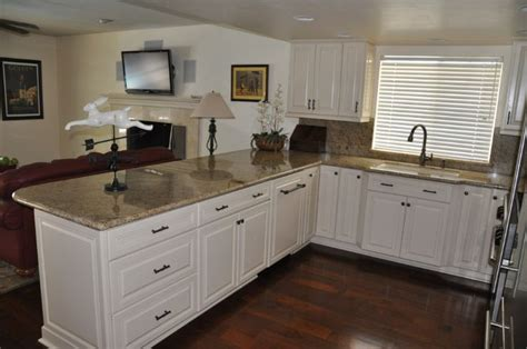 soft white kitchen cabinets 1000 images about soft white kitchens on 5591
