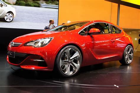 Opel Gtc by New Opel Astra Gtc Sport Hatch Appears On