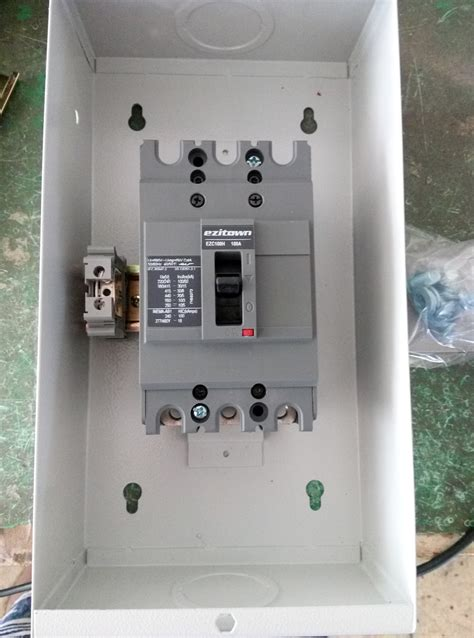 Ezitown Brand Mccb Enclosure Moulded Circuit Breaker With