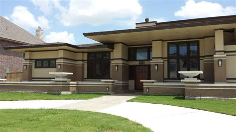Awesome Frank Lloyd Wright Inspired Homes Pictures