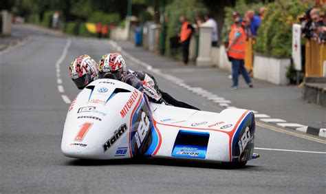 isle of tt 2017 isle of tt recap winners fatalities
