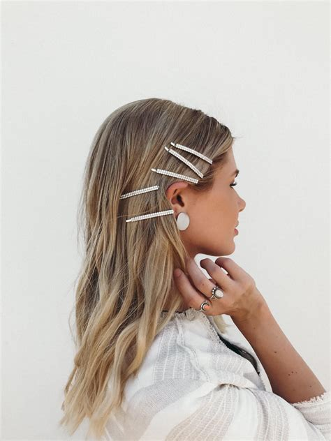 90s hair accessories bringing back the barettes barefoot