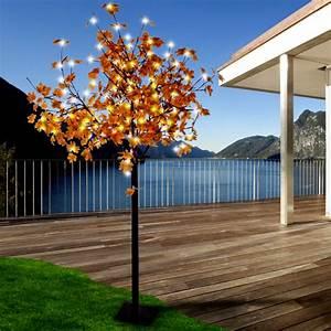eleganter dekobaum fur den aussenbereich mit 450 led39s With französischer balkon mit deko baum garten