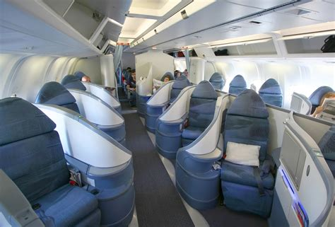 File:Air Canada Executive First 767 suites.jpg - Wikimedia