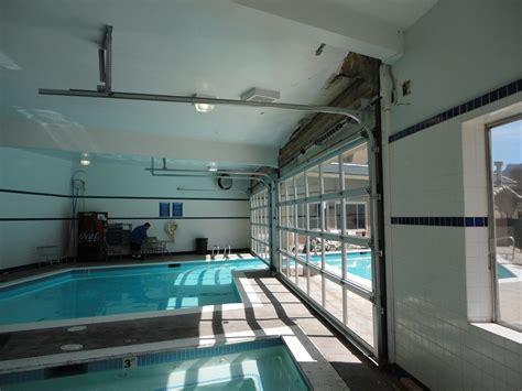 blog glass aluminum doors featured  moab valley inn pool area