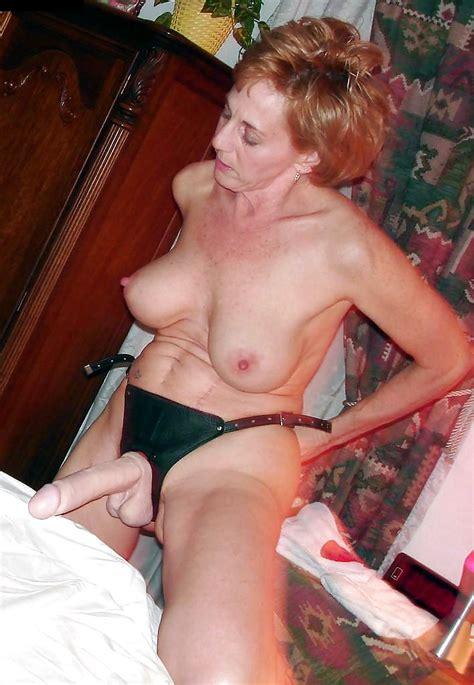 Mature With Strapon Bilder