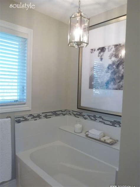 update  builder grade bathtub niche   glass tile