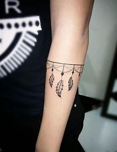 Tattoo Vorlagen Handgelenk : pin von sandra hager auf rosentattoo pinterest tattoo ideen tattoo vorlagen und tattoo ~ Frokenaadalensverden.com Haus und Dekorationen