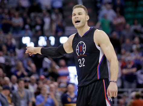 clippers lose blake griffin  toe injury  game