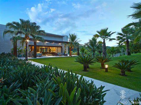 Palmeira Cica - Terreno Declive | Design de jardim, Belos ...