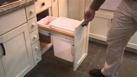 kitchen cabinet features special features for kitchen cabinets by cliqstudios 2500
