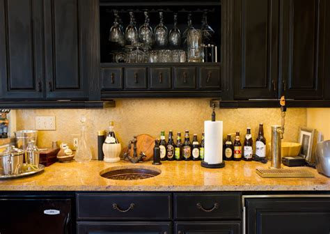 wet bar traditional family room  york  rikki