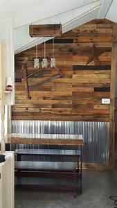 Metal And Woods : corrugated metal wall accents diy pallet wall pallet ~ Melissatoandfro.com Idées de Décoration