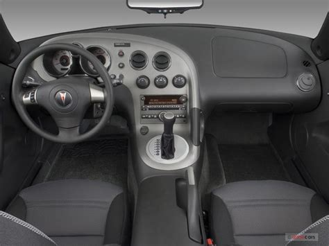 Pontiac Solstice Interior by 2009 Pontiac Solstice Interior U S News World Report