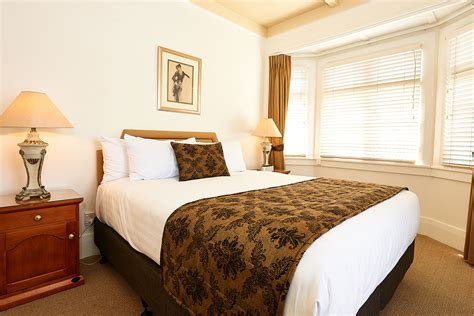 Bedroom Amenities Definition by Two Bedroom Suites Prince S Gate Hotel