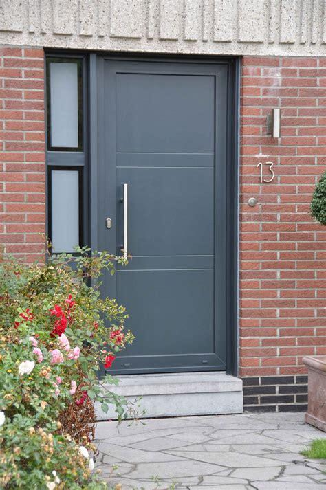 cuisine porte d entr 195 169 e pvc ou porte alu en neuve ou r 195 169 novation sur nantes porte maison