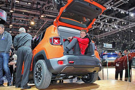 jeep renegade sitzprobe auf dem genfer autosalon