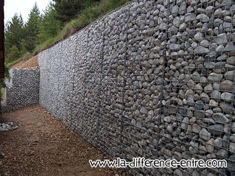 canapé galet quelle est la difference entre mur de soutènement et mur