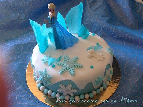 figurine la reine des neiges en pate a sucre