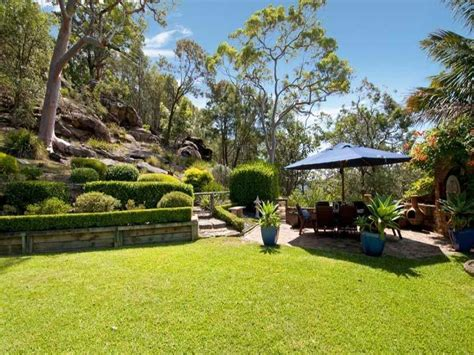 photos of landscaped gardens landscaped garden design using grass with outdoor dining outdoor furniture setting gardens