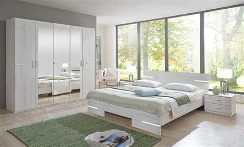 chambre a coucher blanc armoire 4 portes chambre à coucher chene blanc