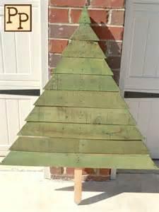 Green Christmas Tree Pallet