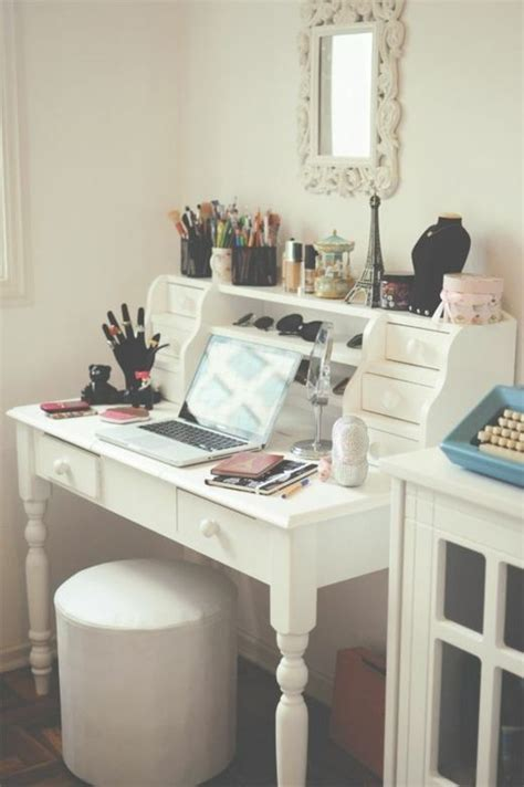 bureau maquillage 17 best ideas about coiffeuse meuble on