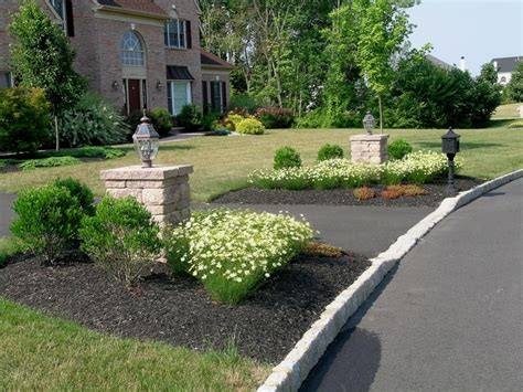 driveway landscaping driveway pillar lights on pinterest driveway entrance porch paint and landscapes