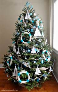 Unique Ways to Decorate a Nautical Christmas Tree