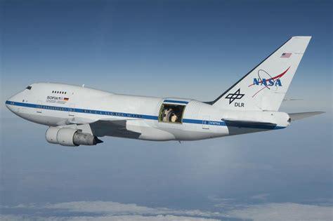 NASA's Moon news suspense: water and Boeing 747