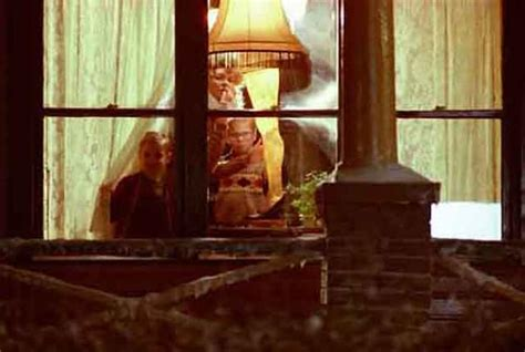 10 Important Facts About A Christmas Story's Leg Lamp