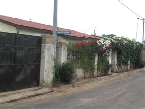 3 Bedroom House For Sale, Yarambamba Estate, Gambia (£45,000)