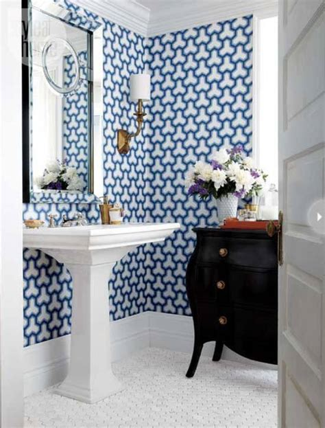 tips  rocking bathroom wallpaper