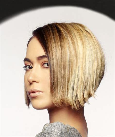 Short Straight Casual Bob Hairstyle Dark Blonde Hair Color