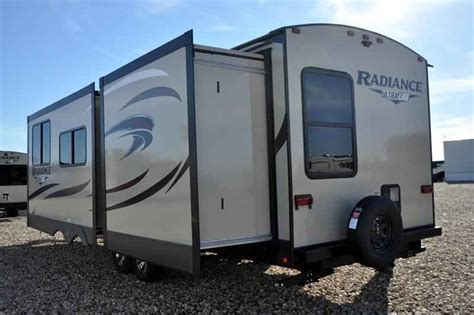 small cing trailers 2018 new cruiser rv radiance ultra lite 33ts bunk model w king bed travel trailer in texas tx