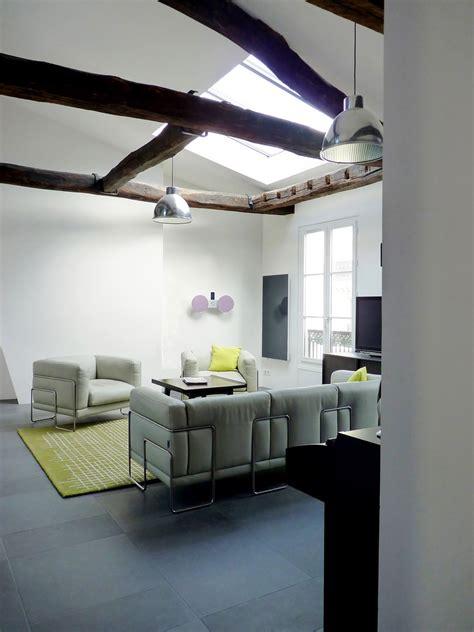 aménagement appartement sous combles baigné de lumière