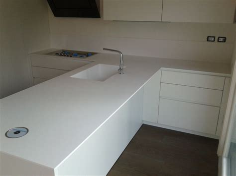 top corian cucina cucina moderna in corian glacier white tecnomobili