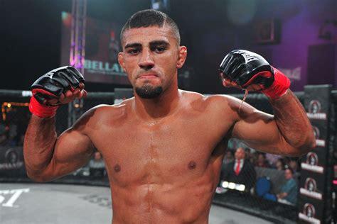 douglas lima   bellator welterweight title fight