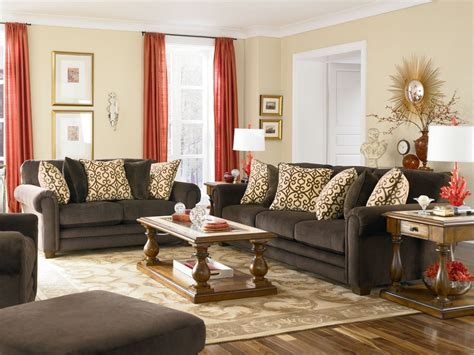 Living Room Red And Creem Colour Curtains With Brown And