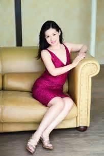 上西小百合:日本女议员出清凉写真集 系首位任内出写真集议员-国际在线