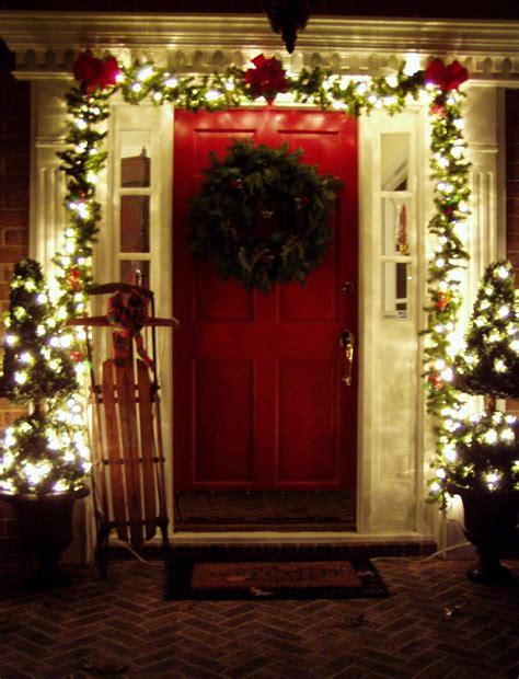 30 Amazing Front Porch Christmas Decoration Ideas