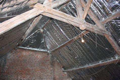isolation sur chevrons comment poser un isolant sur chevrons en sous toiture
