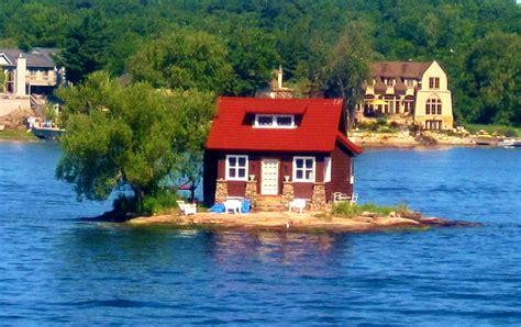 Upper Upstate NY: 1,864 Islands Straddle US Canadian ...