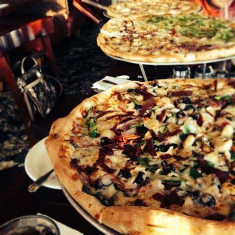 round table pizza everett wa amante pizza pasta in everett wa 11419 19th ave se