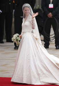 hochzeitskleid designer royal wedding kate middleton 39 s dress time