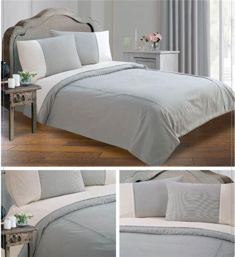 grey black colour minimalist striped design duvet quilt