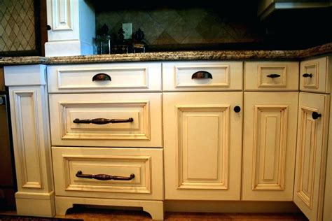Kitchen Knobs Vs Pulls by Kitchen Cabinets Knobs Or Handles Mathifold Org