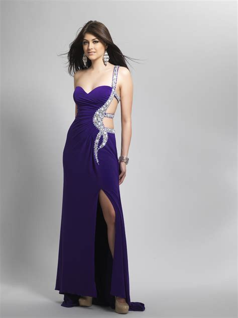 25 Sexy Prom Dresses For Women