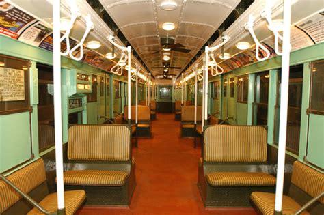 ride    era subway car  queens plaza