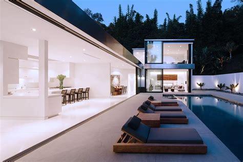 1 door wall 3 ways to seamlessly blend outdoor and indoor living space